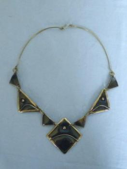 Collier made of copper